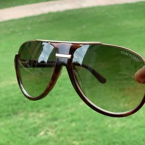 BRAND NEW WITH OUT TAGS Tom Ford unisex sunglasses